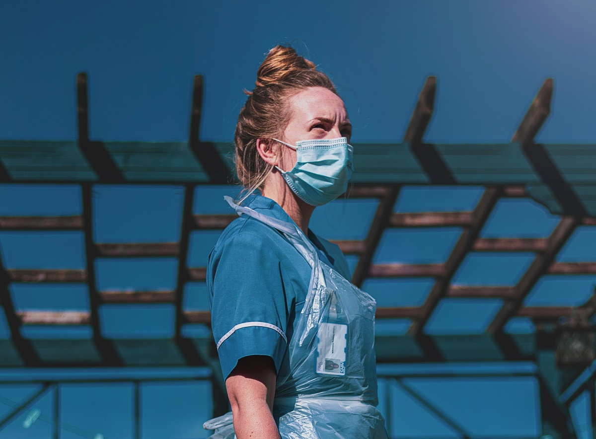 healthcare worker in PPE